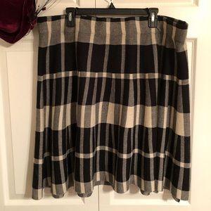 Torrid back and cream sweater skirt